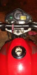 Vendo ou Troco CB 300R - 2011