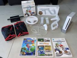 Nintendo Wii + diversos acessórios + 3 jogos originais