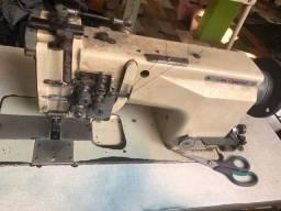Máquinas de costura alternada e PTF tops