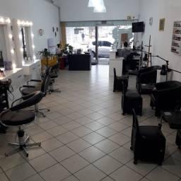 Salão de beleza pronto para trabalhar