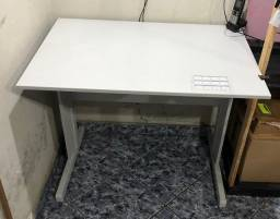 Mesa para escritório, escrivaninha
