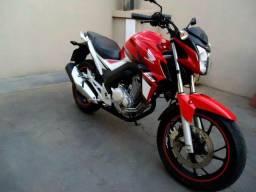 Honda CB Twister 250cc -2017 - Super Conservada - Baixa Km