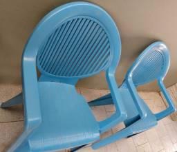 Cadeiras fortes 3 por R$ 150,00