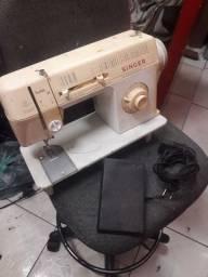 Maquina de costura singer facilita