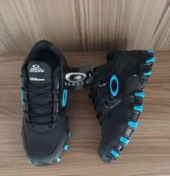 Oakley Hard Shell preto/azul (PROMOÇÃO)