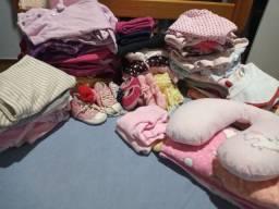 Lote de roupas para menina P e M