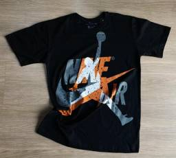 Quer novidade então toma, 3 camisetas por apenas R$80,00