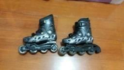 Roller patins preto em perfeito estado 2 meses de uso