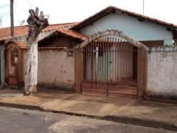 Casa à venda, 2 quartos, 1 vaga, Antonio Pertinhez - Paraguaçu Paulista/SP