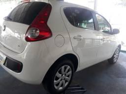 Fiat palio atrative 1.4 completo