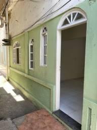 ALUGO :: Casa em Vitória / Ótima localização