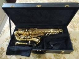 Saxofone alto Eagle 0611