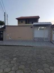 Belíssima casa no bairro Maracanã, em Praia Grande, litoral sul de São Paulo