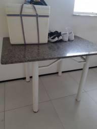 Vendo Mesa de Mármore ou o mármore da mesa.