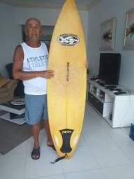 Linda prancha longboard com um dia de uso