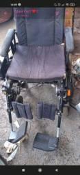 Vende-se Cadeira de Rodas Motorizada.