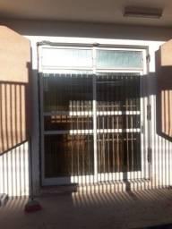 Vende-se porta de ferro com vidro