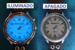 Romanos relógios ponteiros iluminados