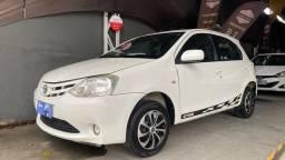 Título do anúncio: Toyota Etios x 1.3  2013  ( muito novo )