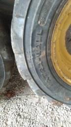 Retro escavadeira rodas