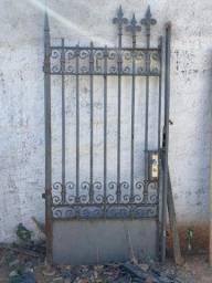 Título do anúncio: Portão antigo