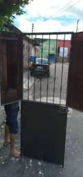 Portão de ferro  com fechadura é chave fazemos  entrega