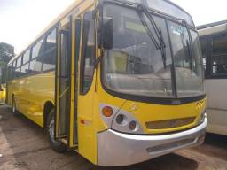 Ônibus semi rodoviário Comil