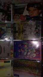 Álbum de coleção  com 460 cartões telefónicos