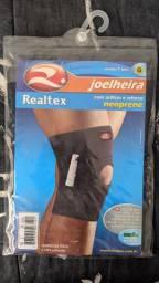 Joelheira Realtex neoprene com orifício e reforço