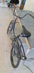 Bicicleta antiga, estilo monareta