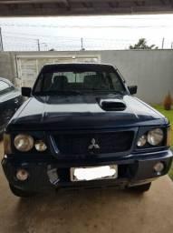 Caminhonete L200 4x4 GLS Diesel