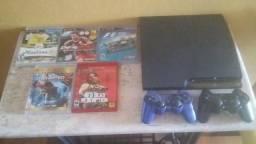 Vendo um PS3 (01 Console + 02 controles sem fio + 09 jogos + 04 filmes em Blue-Ray)