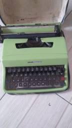 Olivetti Lettera 32 (Máquina de escrever antiga)