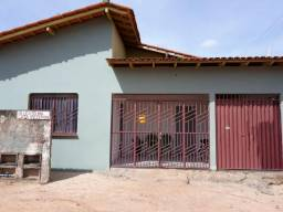 Aluga-se um apartamento. No bairro Pintolândia. Na rua Genésio alcimiro lopes N:2609