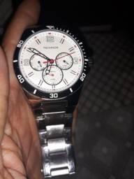 7ffe5a4f156 Vendo esse relógio da technos aprova de água 100 metros pra sair rápido 150  reais