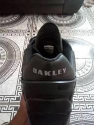 Tênis da Oakley primeira linha top