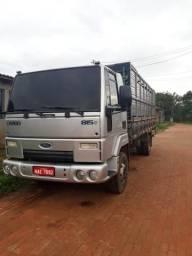 Caminhão FORD CARGO 815 - 2011