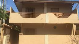Alugo apartamento na Travessa Luiz Barbosa