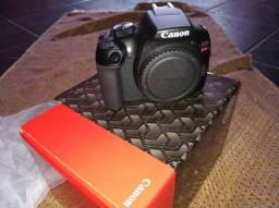 Câmera Canon T6 + Lente 18-55mm (Nova)
