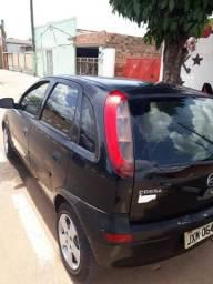 Corsa Hatch Premium ano 2005 em dias - 2005