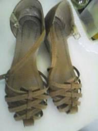 Sandália de saltinho num31