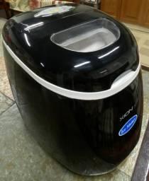 Máquina de fazer gelo - XION ICE MAKER