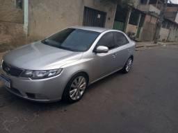 Kia Cerato 2011 vendi ou troco