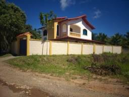 Duplex a uma quadra do mar em Barra do Sahy, Aracruz-ES