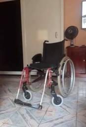 Cadeira de rodas - usada