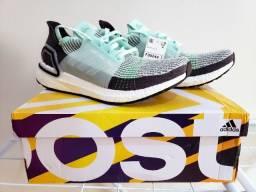 Tênis Adidas Ultraboost 19 tam. 42,5