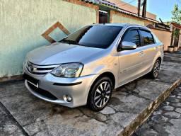 Toyota Etios XS 1.5 Sedã Flex