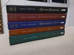 Saga Percy Jackson + Guia definitivo + Os Arquivos do Semideus + Os Diários do Semideus
