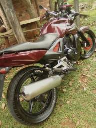 Moto cb twister