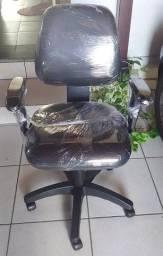 cadeiras com braço semi nova